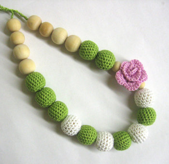 Nursing necklace with rose flower