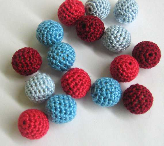Crocheted beads, Red and blue mix, 16pc.