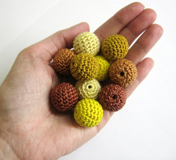 Crochet beads 20 mm yellow and brown mix, 10pc