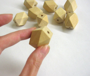 Unfinished faceted large wood beads, 20x26 mm, set of 10 (C30007)