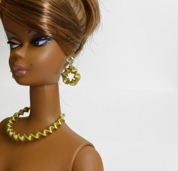 Fashion doll jewelry set golden color necklace and earrings for Barbie Silkstone Fashion Royalty etc 11,5 inch dolls