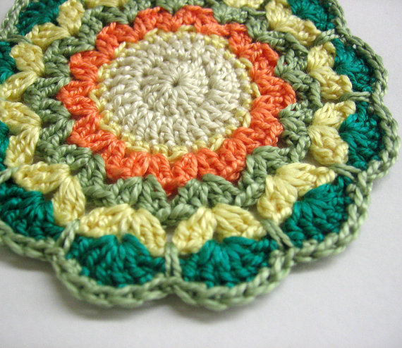 Crocheted mandala, mini doilie in autumn shades, 3,5 inches wide, 1 pc. (A1