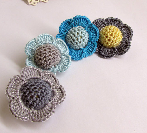 Crocheted beads - flowers, 20 mm handmade round balls cotton on wood, blue