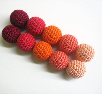 Crochet beads 20 mm 10pc handmade round red orange pink (B20040)
