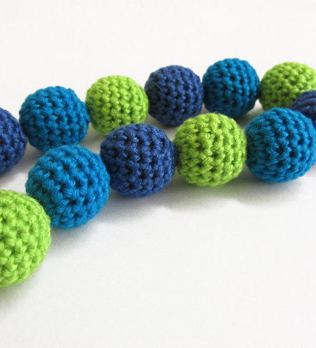 Crocheted beads 18 mm, blue green mix., bamboo on wood, 12pc. (B20041)