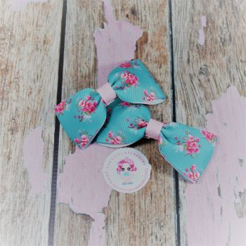 Minnie Bows On Croc Clip ~ Mint Floral