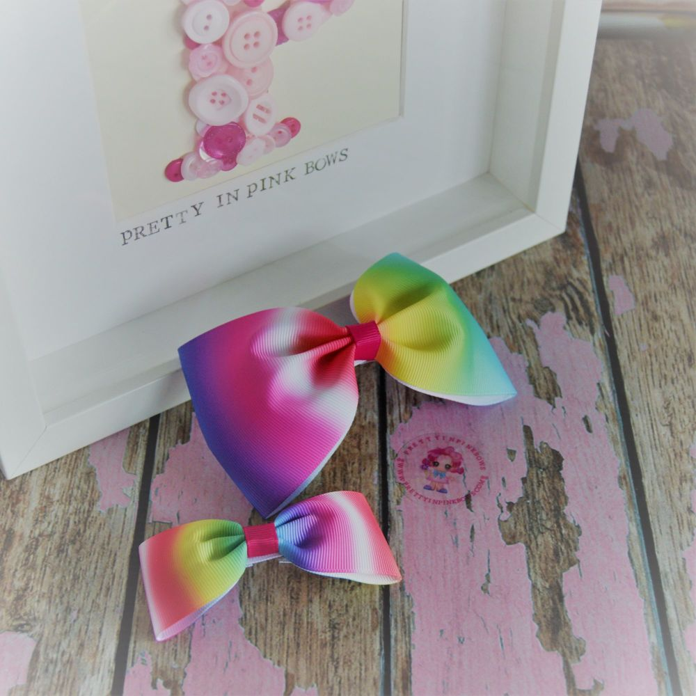 Pony set ~ Multi colour Ombre Bows on Croc