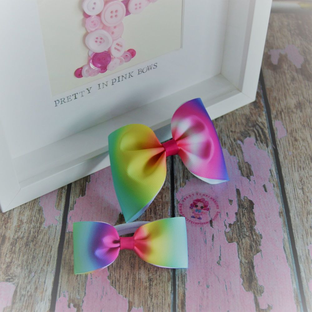 Pony set ~ Multi colour Ombre Bows on bobbles