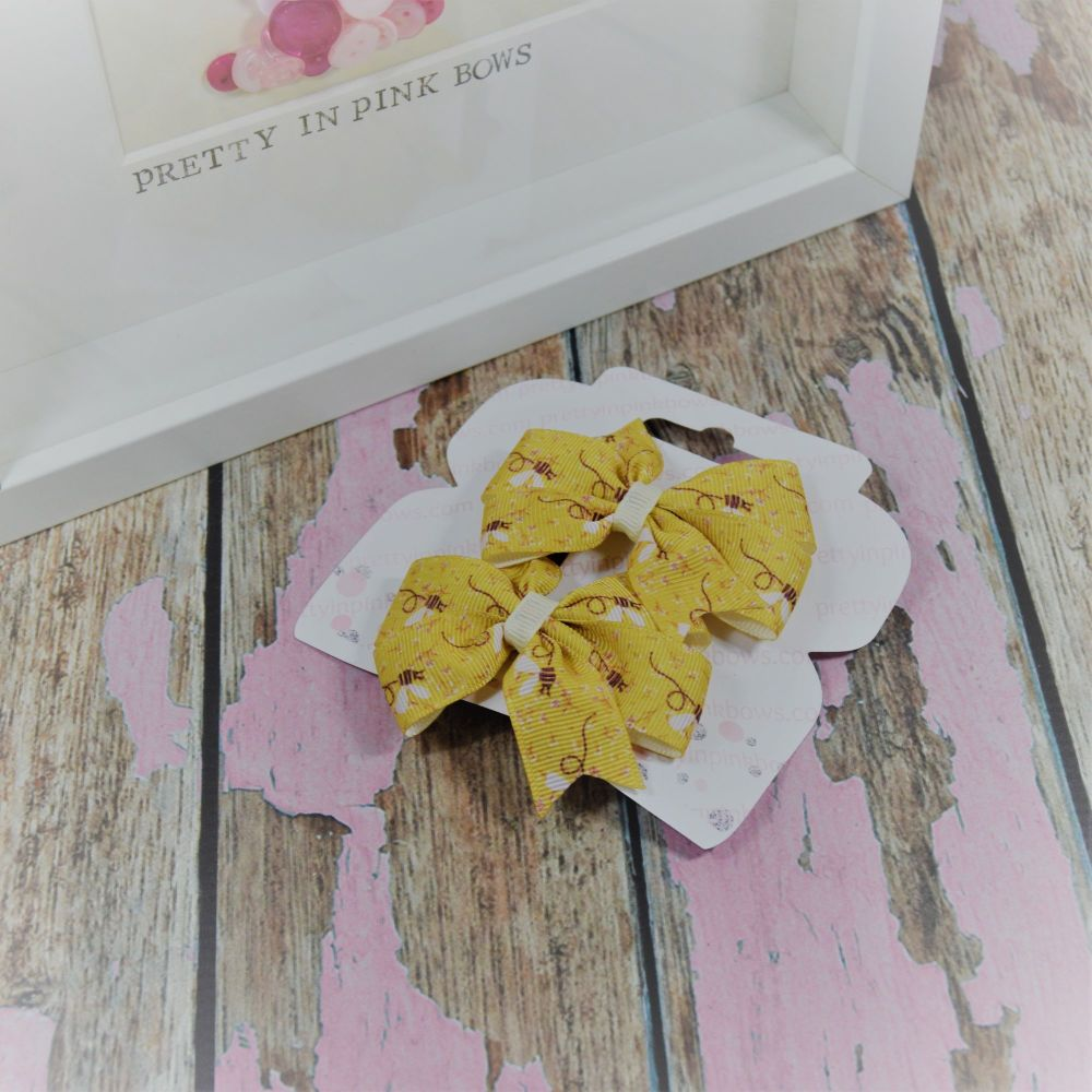 Double loop pinwheels ~ Busy Bees On Crocs