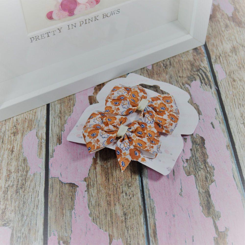 Double loop pinwheels ~ Cream and gold flowers On Crocs