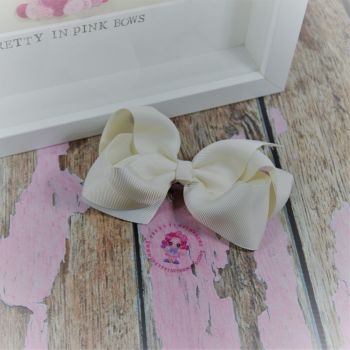 "4"" Boutique Bow On Croc Clip ~ Antique White"