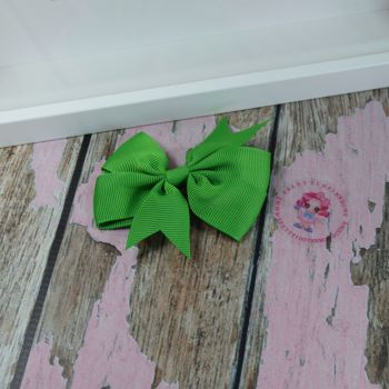 Double Loop Plain Pinwheel - Classic Green ~ On Croc Clip