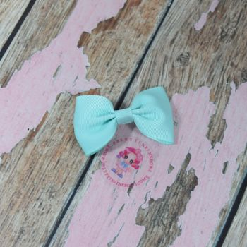 Minnie Bow On Croc Clip ~ Aqua