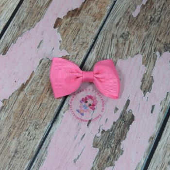 Minnie Bow On Croc Clip ~ Geranium Pink