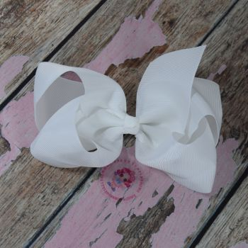 "6"" Boutique Bow On Croc Clip ~ White"