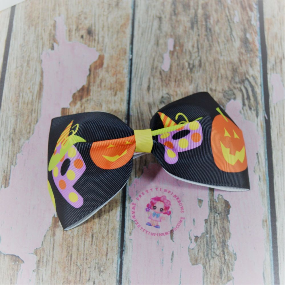 Large Minnie Bow BOO On Croc Clip