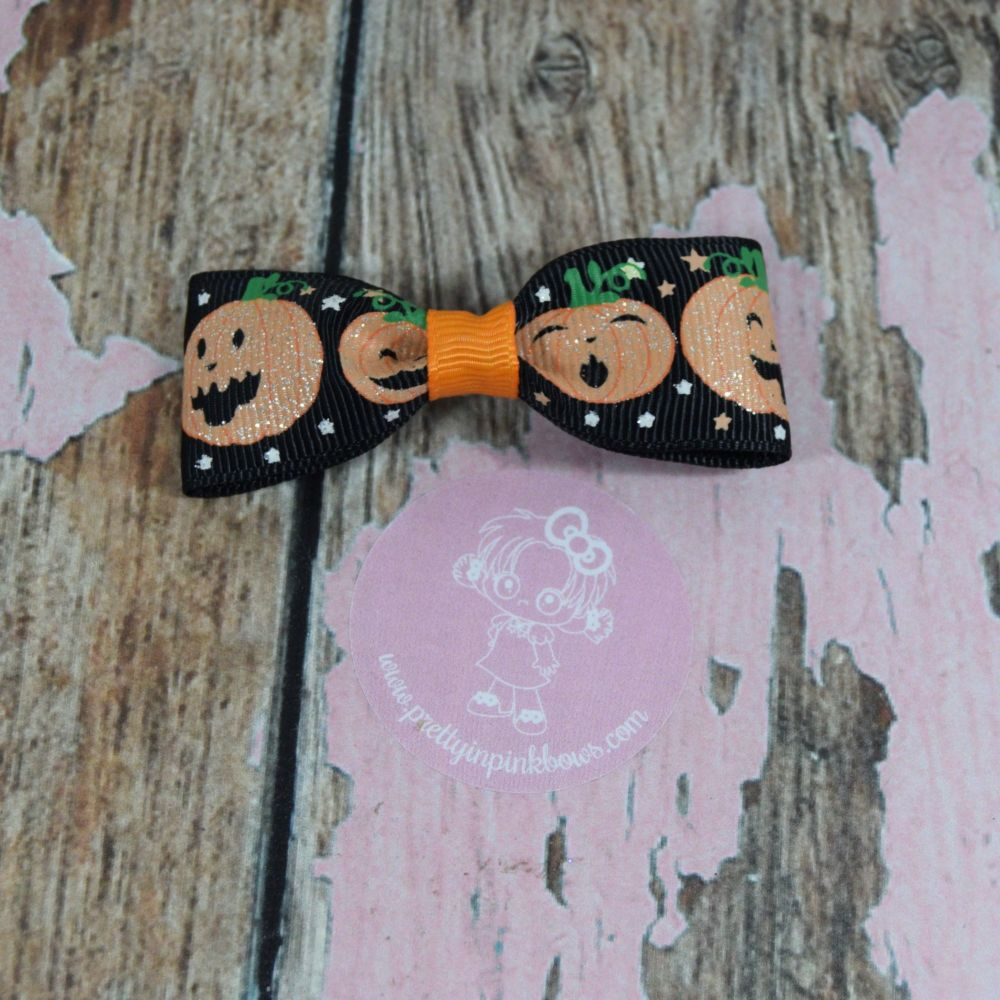 Minnie Bow Glitter Pumpkins On croc clip