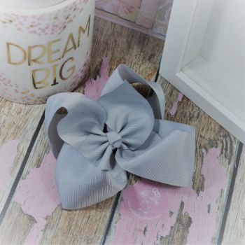 "6"" Boutique Bow on croc clip - Shell Grey"