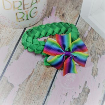 Medium Bun Wrap in Classic Green ~ With Rainbow Pinwheel Bow