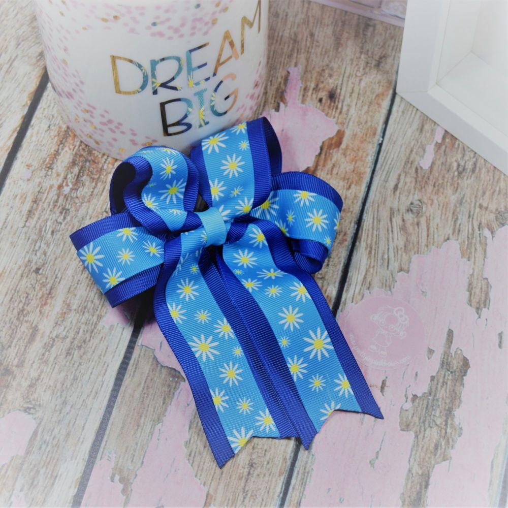 Double Loop Tails (DLT) Blue Daisies on Croc Clip