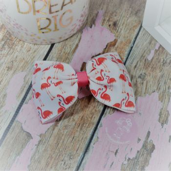 Large Minnie Bow Peach Flamingos On Croc Clip