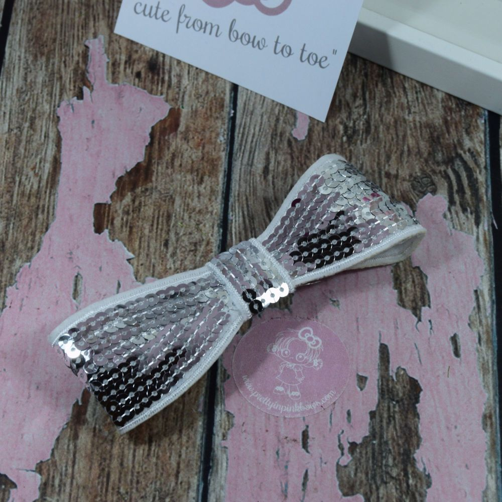 """5"""" Sequin Bow Silver"""