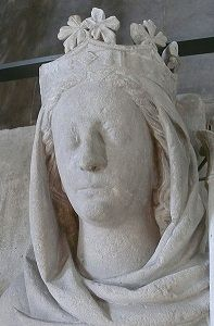 A grave effigy of carved stone depicting Constance of Castile, Queen of France