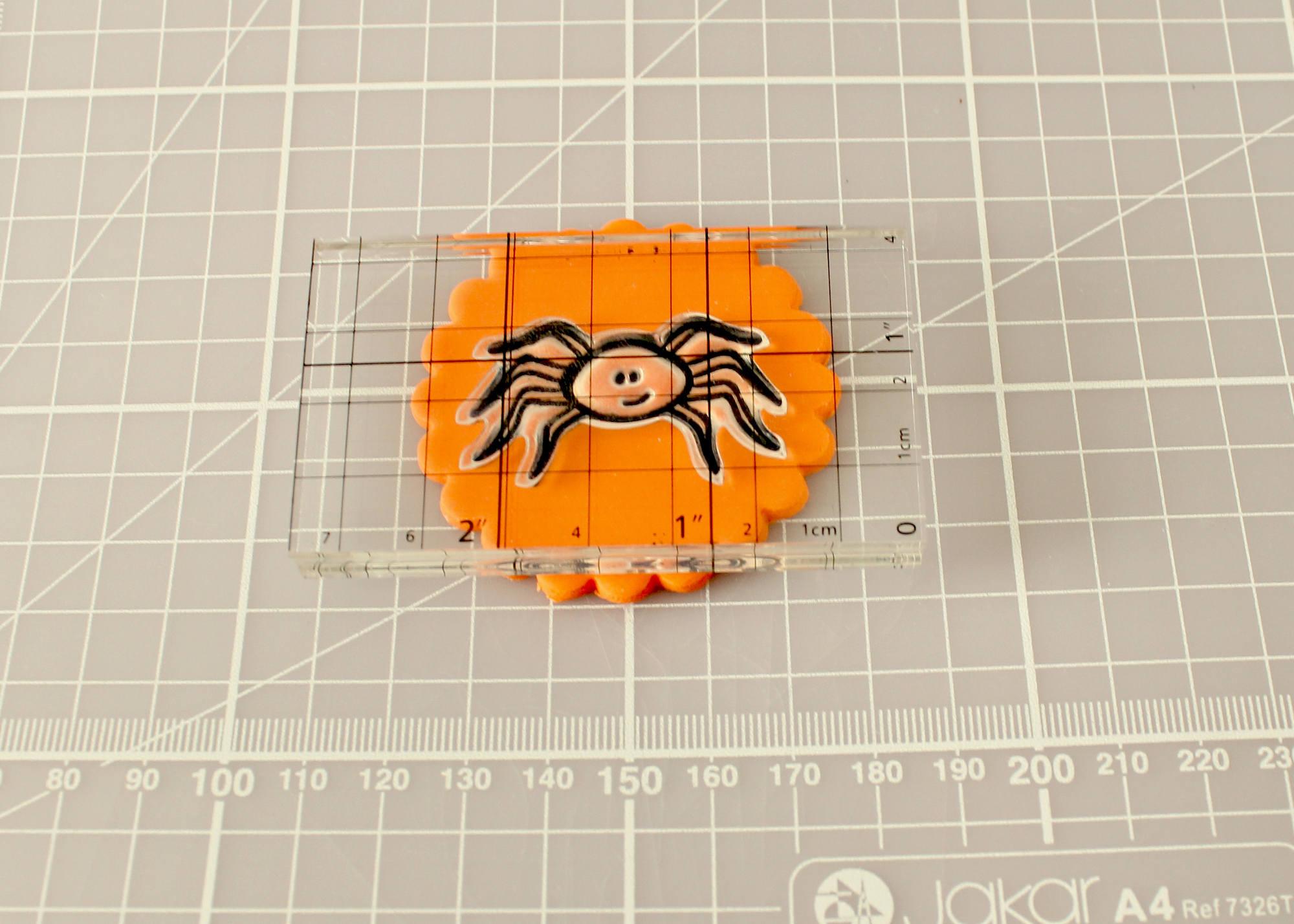 Spider Cupcakes Tutorial 8