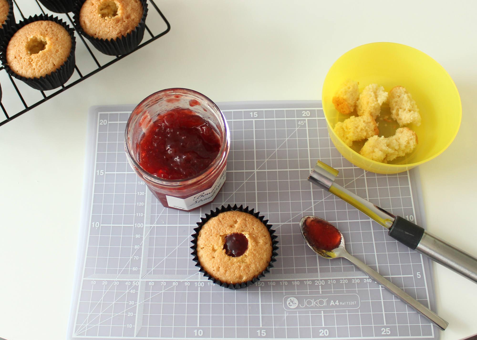 Spider Cupcakes Tutorial 13