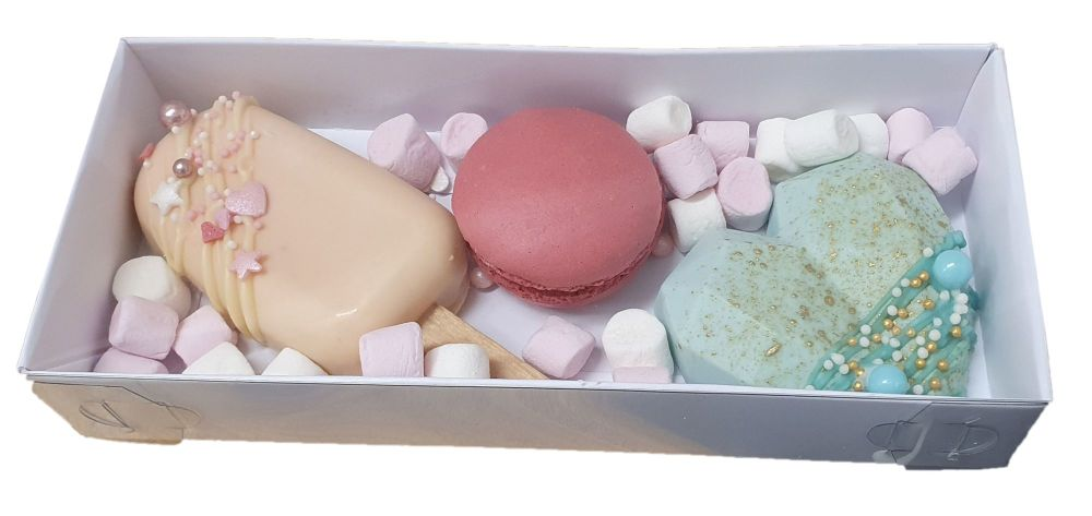 White Cakesicle & Geo Heart Rectangle Box With Clear Lid - 180mm x 80mm x 30mm - Pack of 10