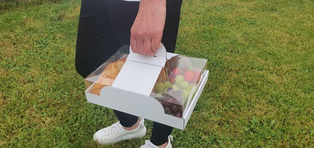 Hamper tray filled