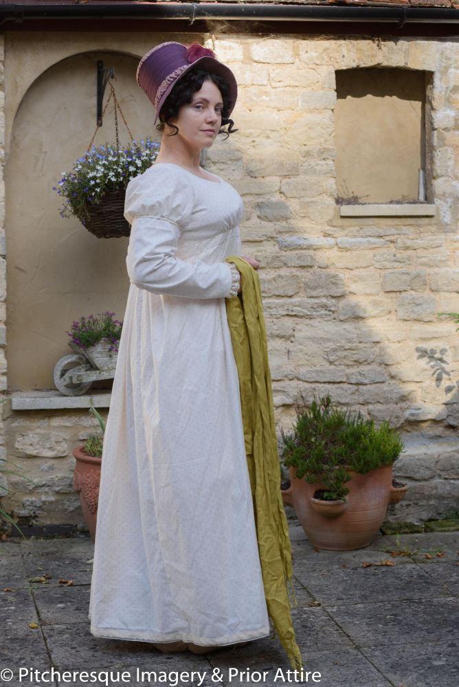 Regency day dress size 16/