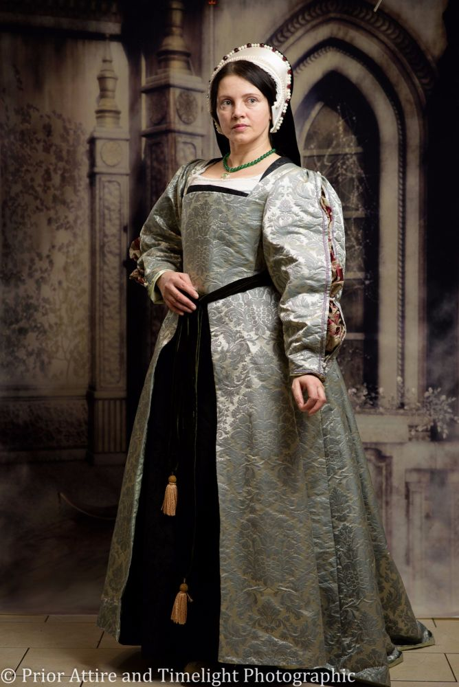 Tudor gown in silk brocade size 10-12