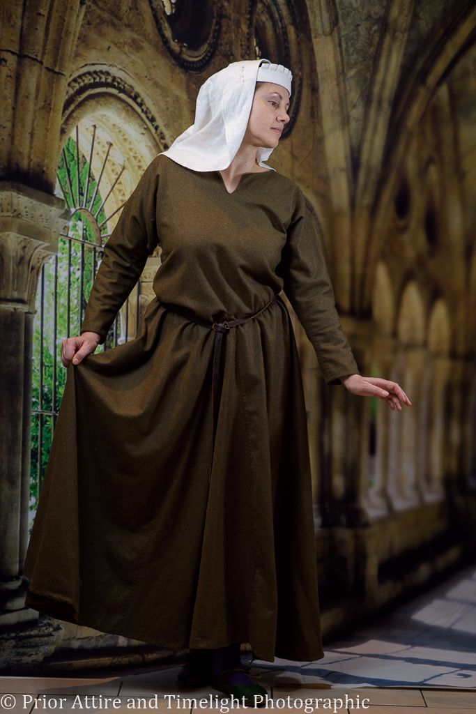 Medieval dress/kirtle in wool