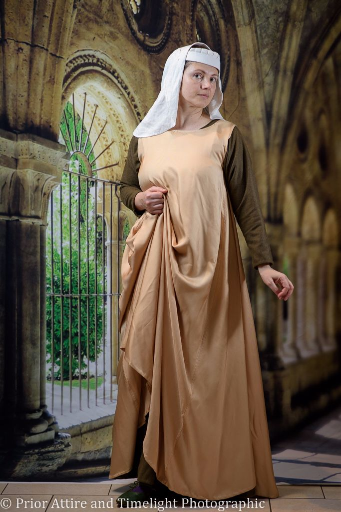 Medieval dress surcoat in silk
