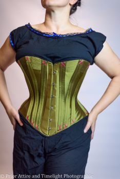 Victorian corset  in silk size 10-12