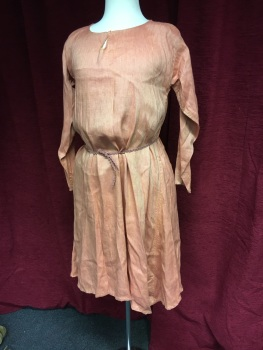 Medieval dress/kirtle in linen - a teenager or a petite adult