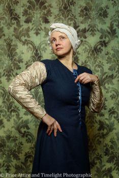 Medieval sleeves in silk brocade