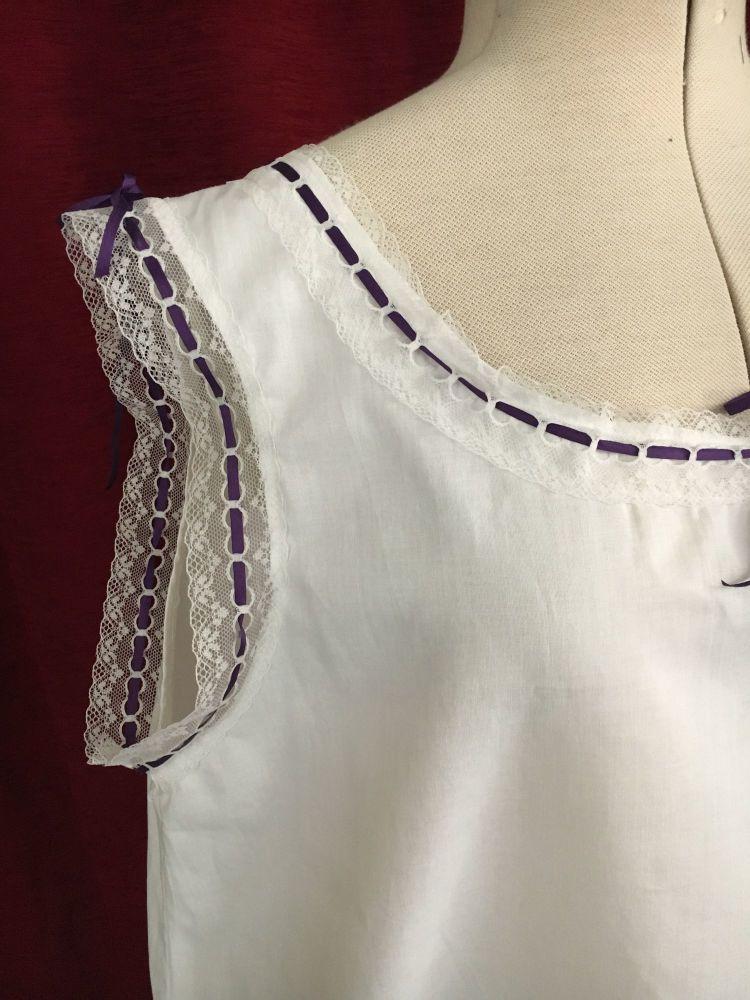 Victorian chemise size M/L