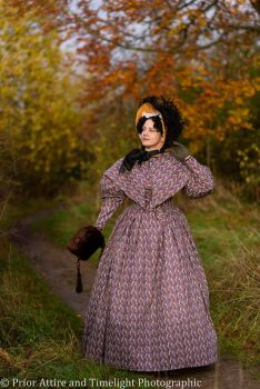 Romantic era day dress cotton size 12-14
