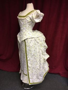 Victorian bustle ball gown size 6-8