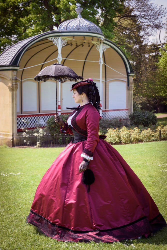 Victorian crinoline gown 1860s size 12-14