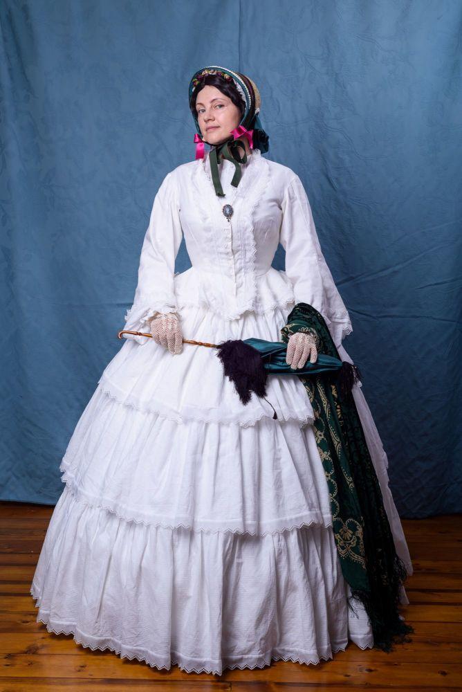 Victorian crinoline gown 1850s size 12-14