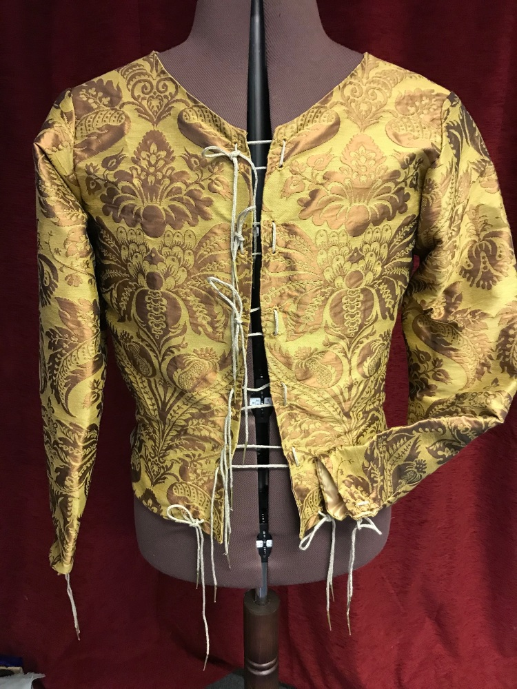 15th century doublet in silk 42