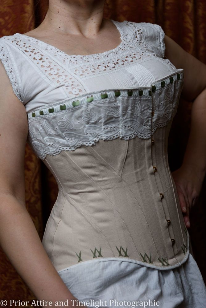 Late Victorian, early Edwardian corset  size 12-14