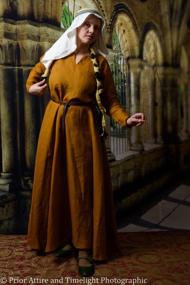 Medieval dress size12-16
