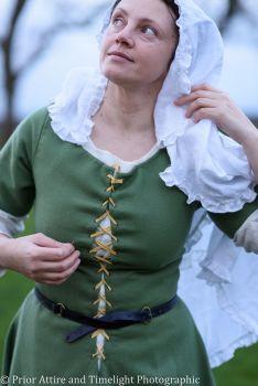 Medieval dress/kirtle size 12-14