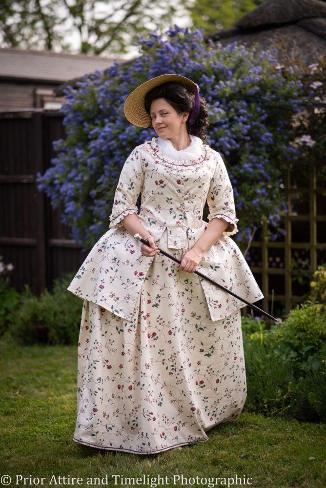 Caraco jacket and petticoat set, size 14-16