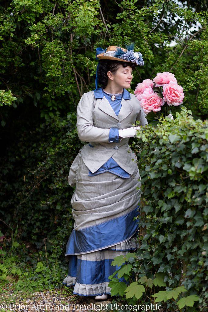 Victorian  day walking dress in silk