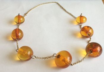 Amber Necklace and 9ct Yellow Gold Chain  (amb01)